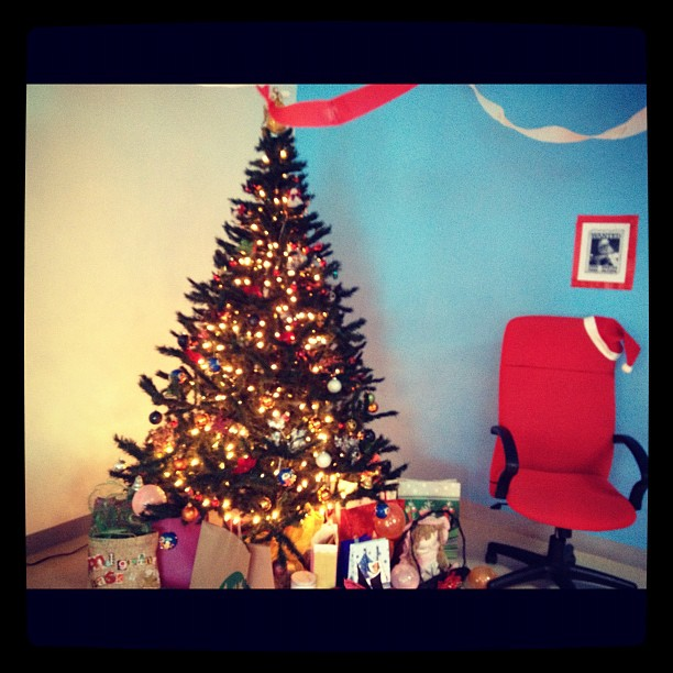 christmas in the office chachic 39 s book nook
