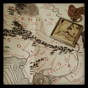 LOTR map and pendant