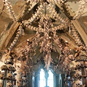 Europe 2015 - Sedlec Ossuary chandelier