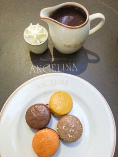 Angelina - chocolat chaud and macarons 2