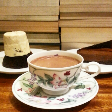Tweedle Book Cafe - May 2016 - hot chocolate
